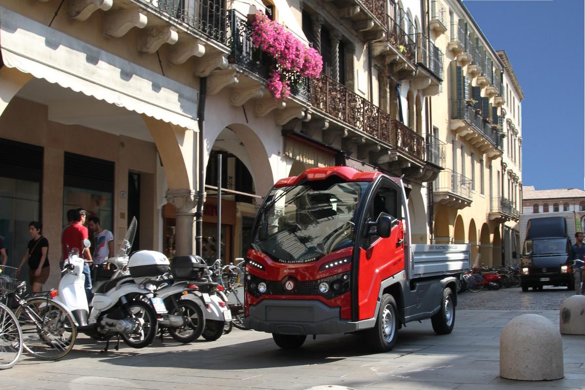 camions lectriques pours zones circulation restreinte. Black Bedroom Furniture Sets. Home Design Ideas